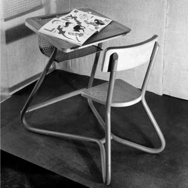 Jacques Hitier School desk | Bureau d'écolier de Jacques Hitier | Exhibition 1949